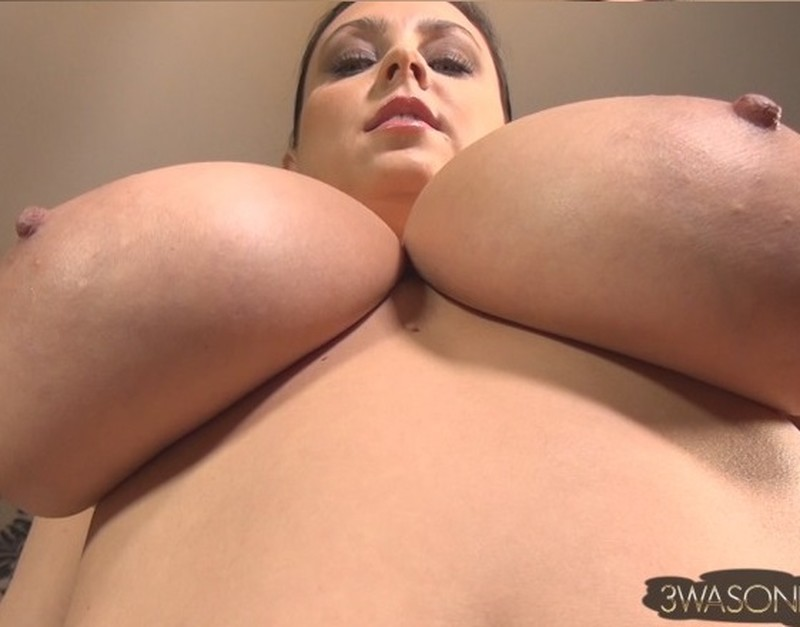 Ewa Sonnet – Huge Boobs Wearing Boots Only