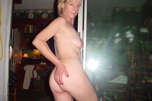 http://img67.imagetwist.com/th/16093/x1hjaqfoxkdh.jpg