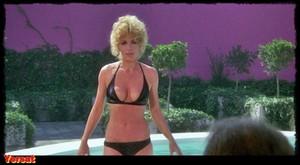 Stella Stevens , Marlene Clark in Slaughter (1972) Nh3ljq0bu8ew