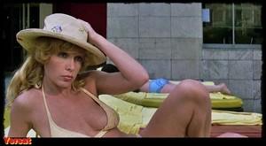Stella Stevens , Marlene Clark in Slaughter (1972) Xayg6aorbvws