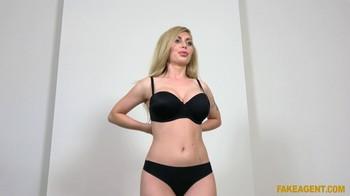 Isabella Clark E562