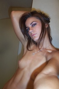 http://img67.imagetwist.com/th/17211/j0g8cx42w2oh.jpg