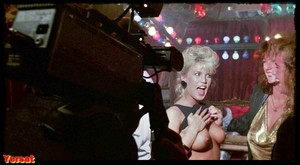 Kelly Preston, Amber Lynn, Vanity in 52 Pick-Up (1986) 9jrmn5fs3tr6