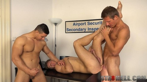 Str8Hell – Paul Hunter, Robin Valej & Rosta Benecky Raw