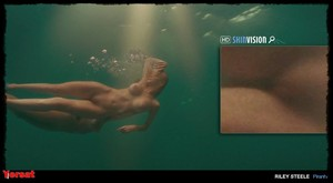 Elisabeth Shue in Piranha 3D (2010) Nhfejgtjmw6o
