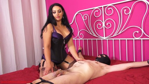 Mistress Ezada - Face-farting ruin