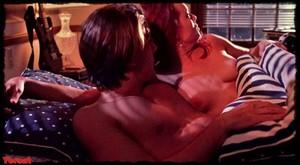 Melinda Clarke in Return of the Living Dead Part III (1993) 8io8gj4fo57i