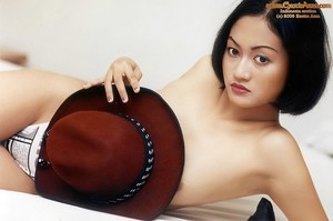 Tessa - ExoticAzza - Model Indonesia Bugil