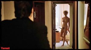 Annette Bening & Anjelica Huston - The Grifters (USA 1990) C0kc6u3hi2tf
