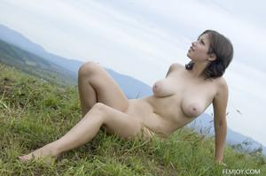 Paloma in Sunny Hill