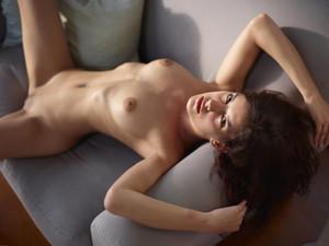 Candice-Beauty-Icon--u6tmsd6jx4.jpg