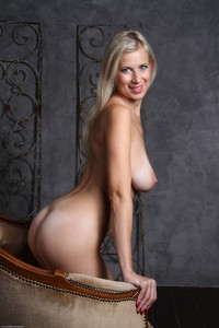 Anastasia-Devine-Anastasia-Devine--g6u4l0axzj.jpg