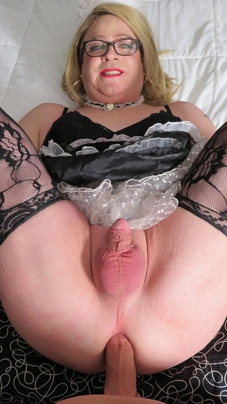 Sissy Molly Maid Does Everything She Is Told (9 May 2018)