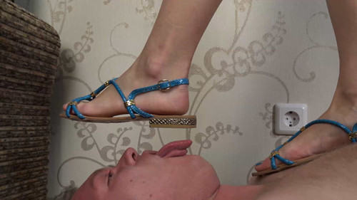 Yvonne - summer sandals trampling Full HD