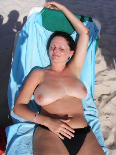 Mom Topless