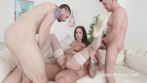 Legal Porno - Angie Moon - GIO676