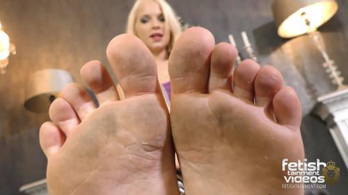 Lick my dirty bare soles !! (MISS SERENA) - FULL HD WMV