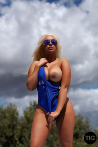 Lucy James - Very Busty Lucy James b6vvkcc3pn.jpg
