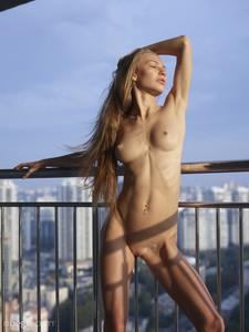 Jolie-Sexy-Skyline--47egqlcqtc.jpg