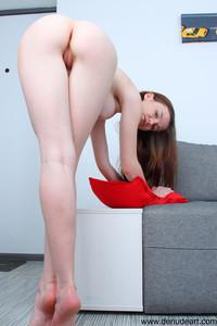 Emily-Bloom-Gorgeous--z6vvsl1els.jpg
