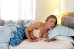 -Britney-Amber-How-I-Seduced-A-Robber-5760-px-107-pics--h6tq36rz7z.jpg