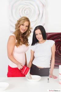 Clara Carol Goldnerova & Nicole Love